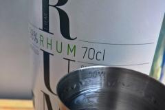 Rum : 40 à 50 ml. U kan deze alcoholische toevoeging ook achterwege laten om een 'mocktail' te bekomen, ook gekend als 'Virgin Mojito'